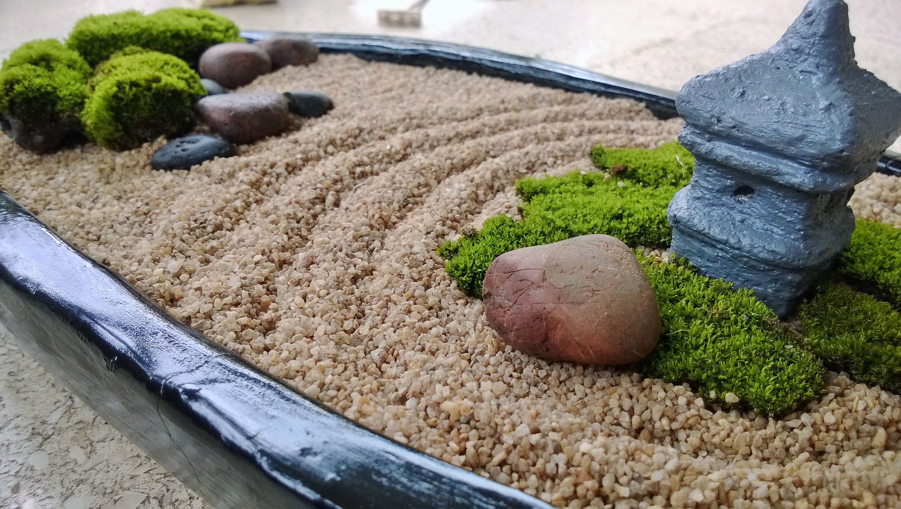 black oval mini zen garden diy mini zen garden. Black Bedroom Furniture Sets. Home Design Ideas
