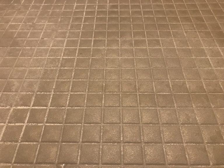 お風呂の床の黒ずみや白い汚れに効く洗剤見つけたーッ おすすめの掃除用ブラシも 2020 画像あり お風呂 掃除 床