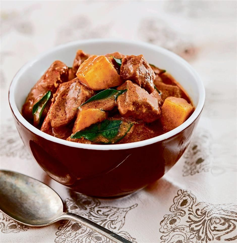 Beef curry with potatoes malaysian food food recipes