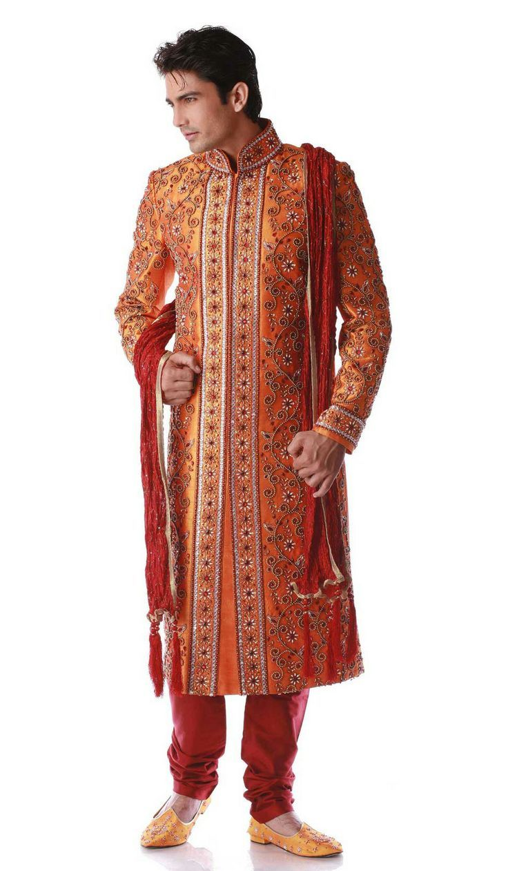 Hindu ceremony outfit idea to match color scheme