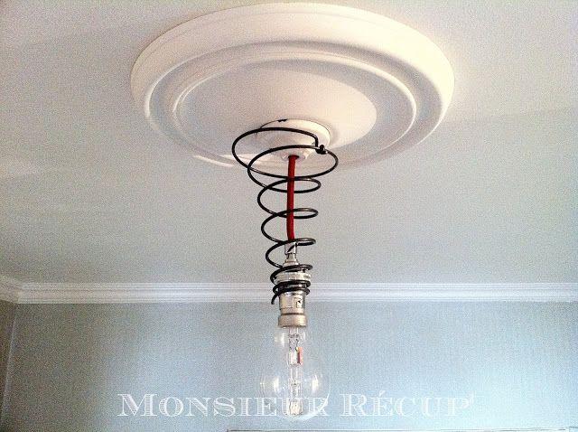 suspension lumineuse en ressort de sommier id es r cup 39 pinterest ressort suspension et. Black Bedroom Furniture Sets. Home Design Ideas