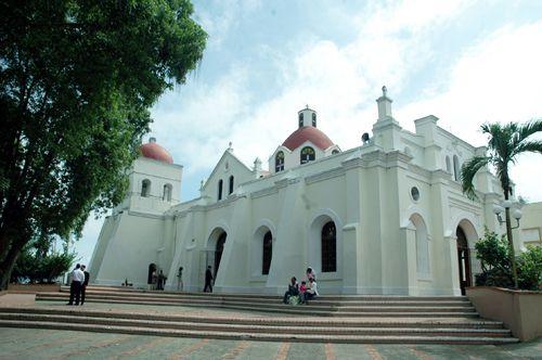 Iglesia en el Santo Cerro - República Dominicana