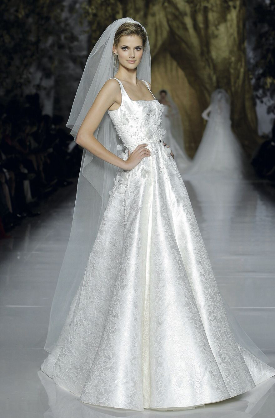 Elie saab bridal dress wedding gown for a grand wedding entrance