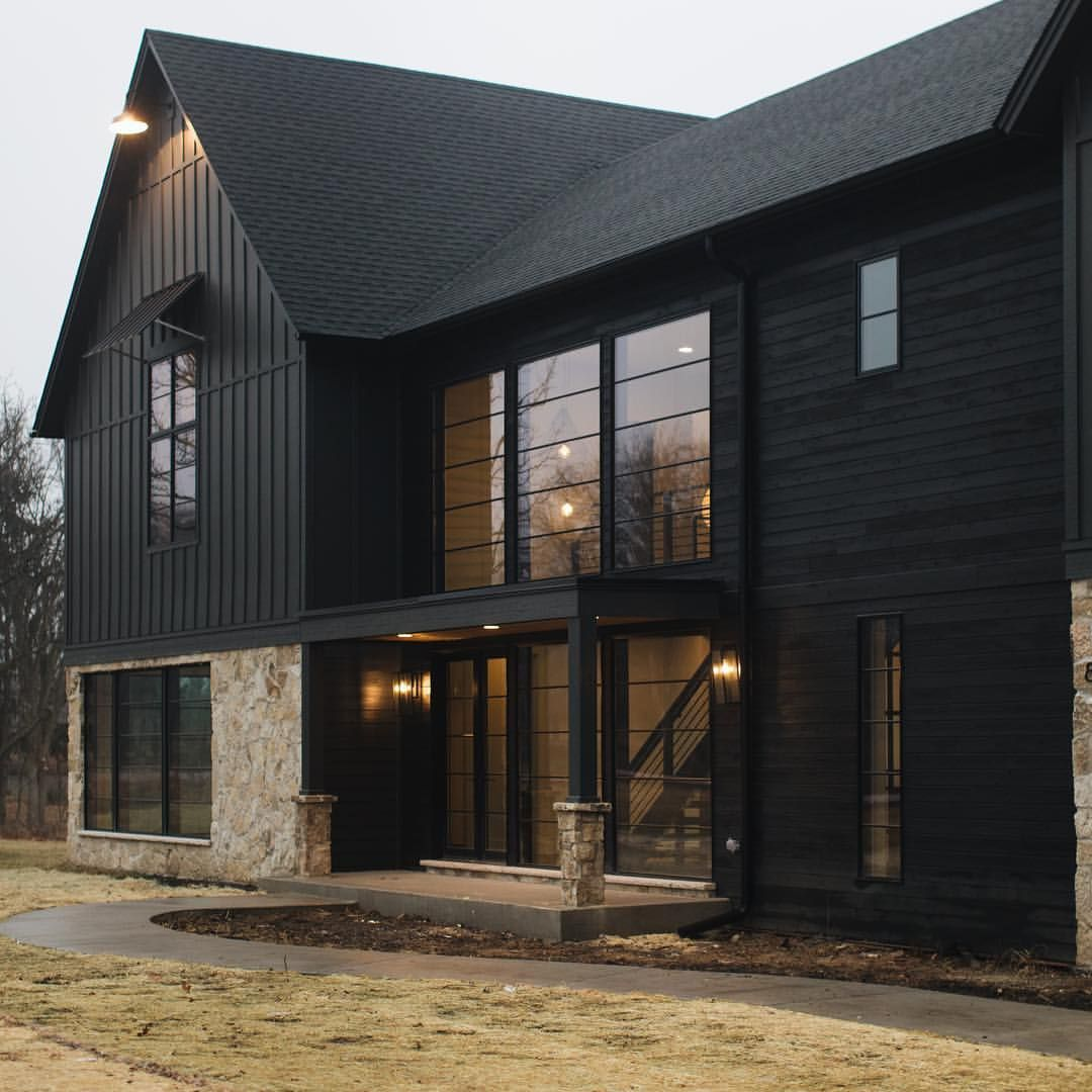 Defining #modernfarmhouse! Built & designed by @mhousedevelopment #Siding is James Hardie in Sherwin Williams Iron Ore. See more beautiful… #barndominiumideas