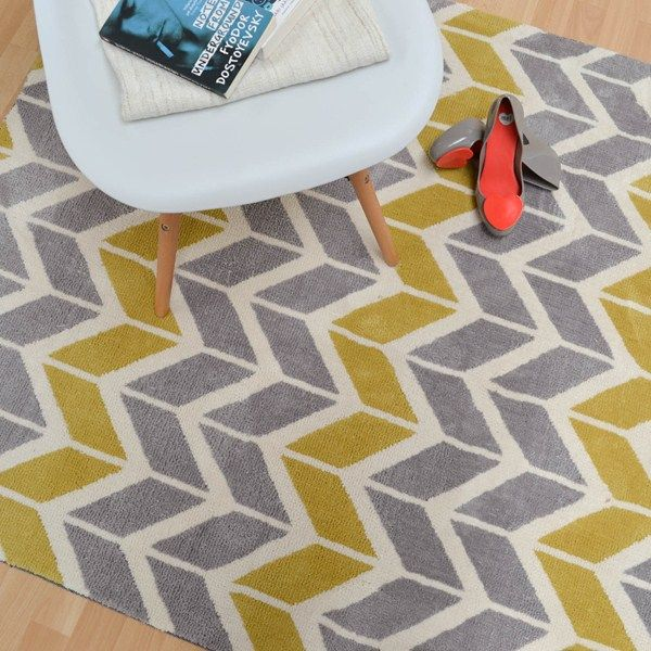 Arlo Chevron Rugs Ar06 In Lemon And Grey Free Uk Delivery The Rug Er