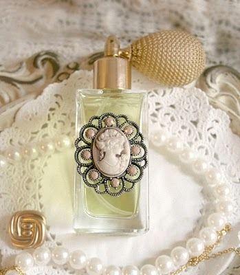 http://charmingages.tumblr.com/tagged/perfume/page/2