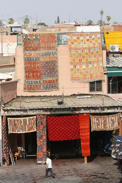 About Shopping Traditional Carpets And Rugs Rugs On Carpet Carpet Shops Rugs