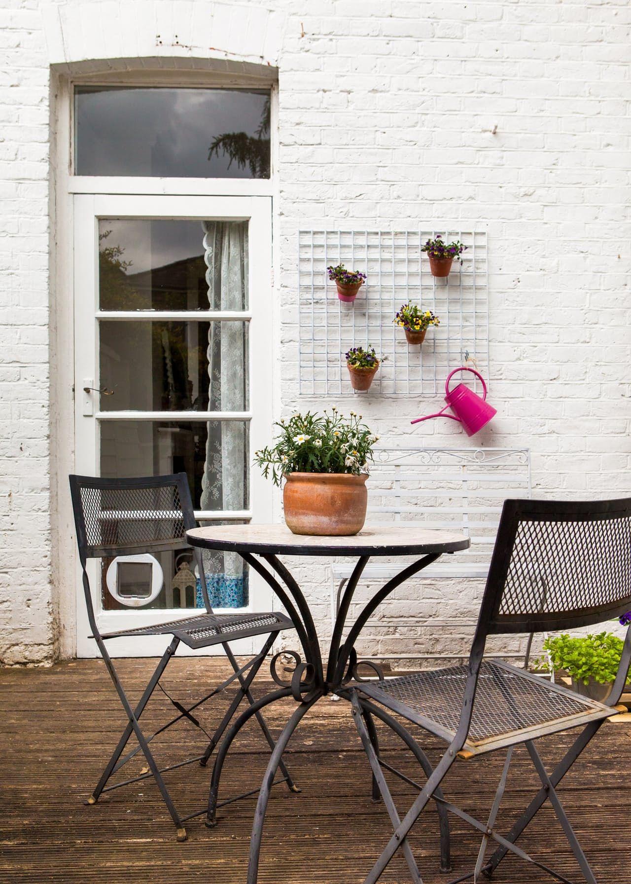 A Modern & Vintage London Maisonette | London house, Small ...
