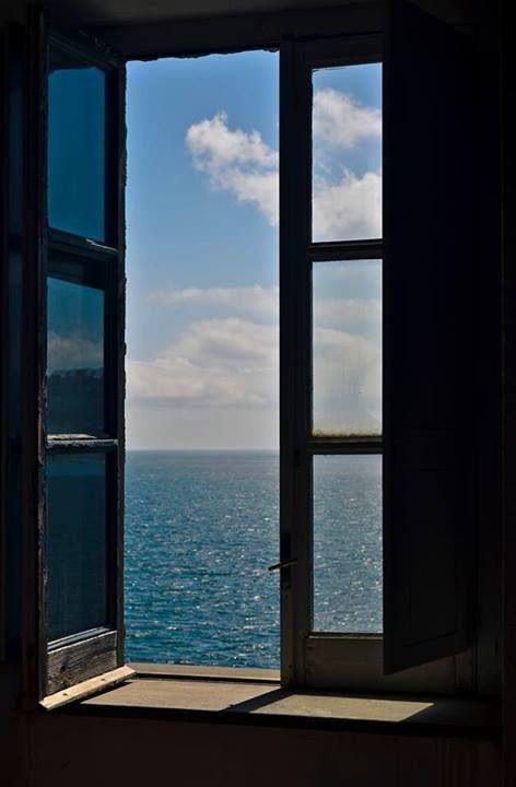 "Resultat d'imatges per a ""cuadro ventanas abiertas"""