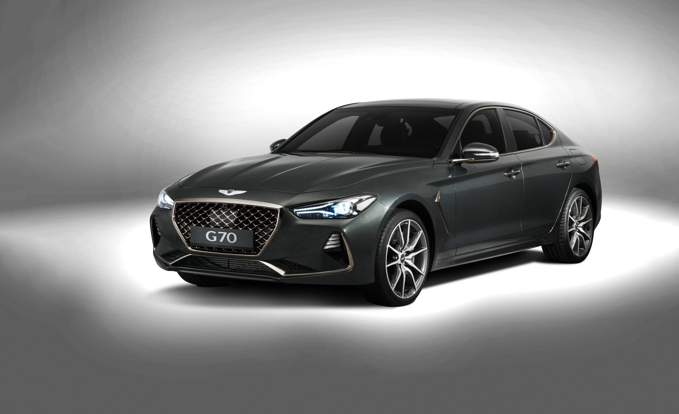 2019 Hyundai Santa Fe New Spy Shots And Redesign News >> 2019 Hyundai Genesis V8 Review Specs And Release Date