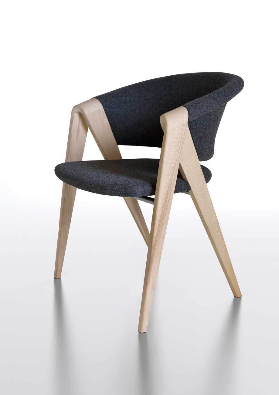 Voglauer spirit chair dining chairs seating anima for Voglauer design stuhl v solid