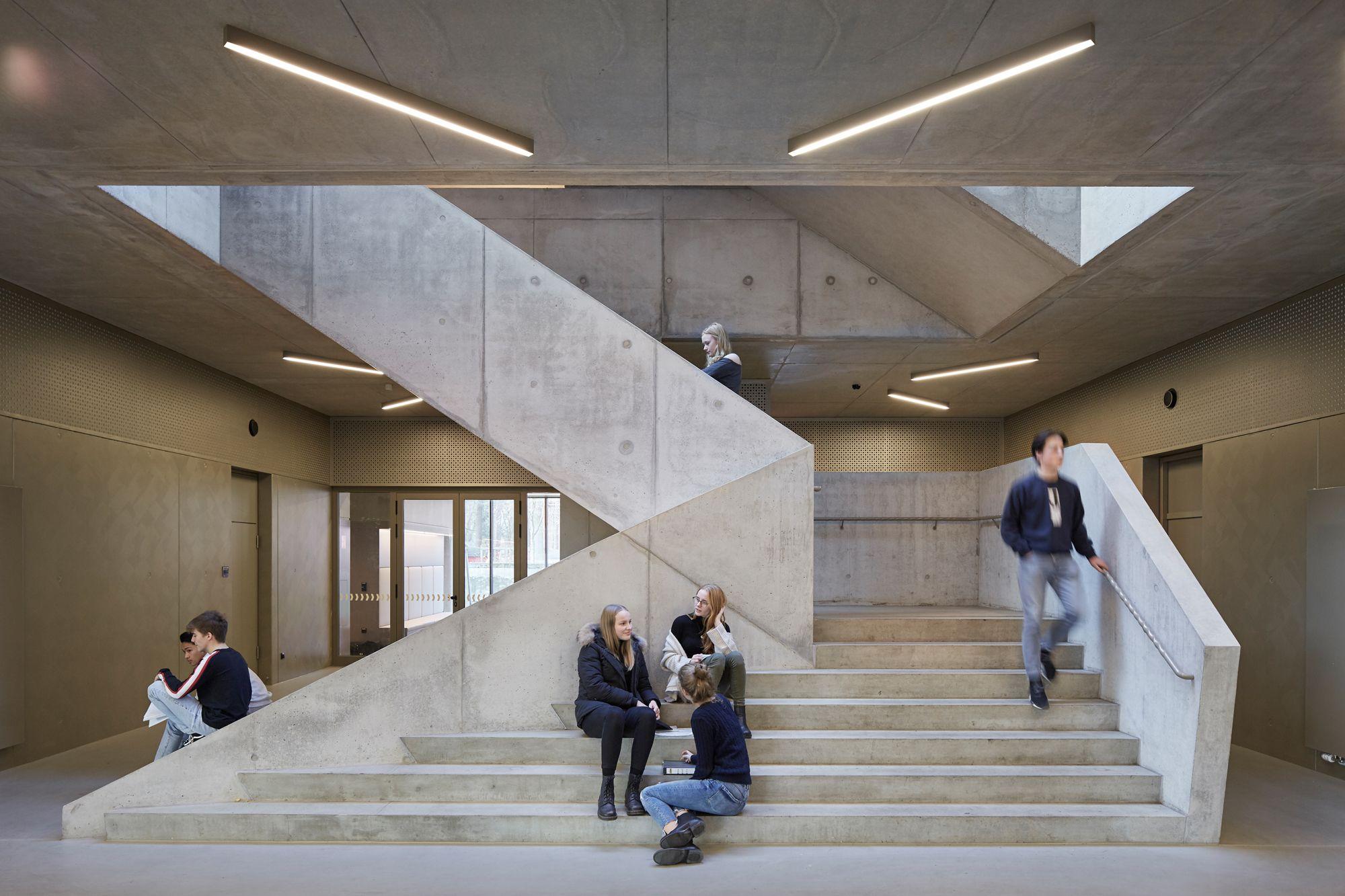 klare linien: erweiterung arndt-gymnasium in berlin   treppen