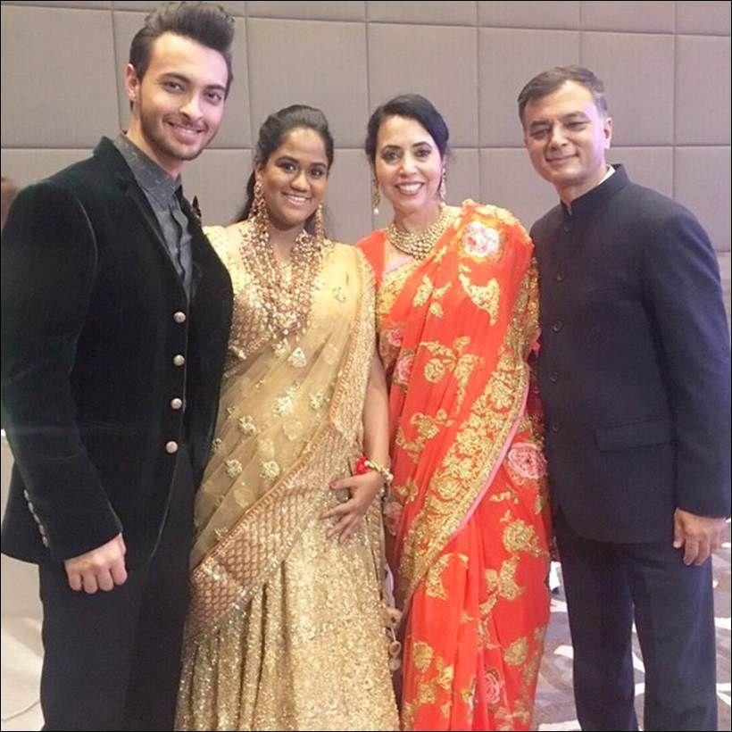 Salman Khan S Little Sister Arpita Khan In Delhi For Husband Aayush S Brother S Wedding Salman Khan Bollywood Stars Khan