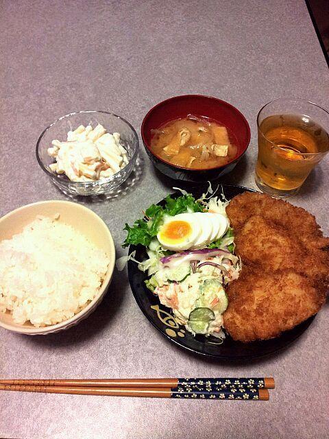 味噌汁とご飯以外は惣菜だけどね(●´ω`●) - 3件のもぐもぐ - アジフライ定食♪ by しま