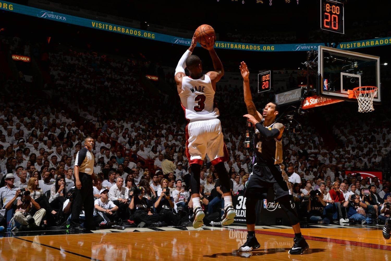 Nba Wallpaper Miami Heat San Antonio Spurs Basketball Dwyane Wade In 2020 Dwyane Wade Wallpaper San Antonio Spurs Dwyane Wade