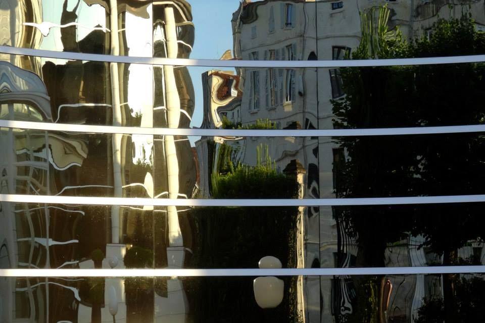 Anachropsy - photography: reflection of the city