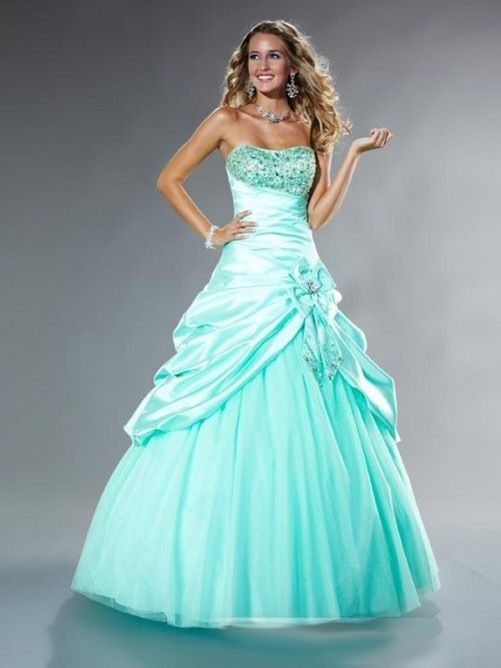 Not a big fan of the color, but other than that I love the rest of the dress.
