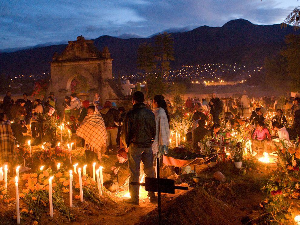 Dia de los Muertos - National Geographic Society | Dia de los muertos, Dia  de muertos, Janitzio dia de muertos