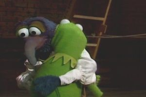 Gonzo hugs Kermit (from The Muppet Show)