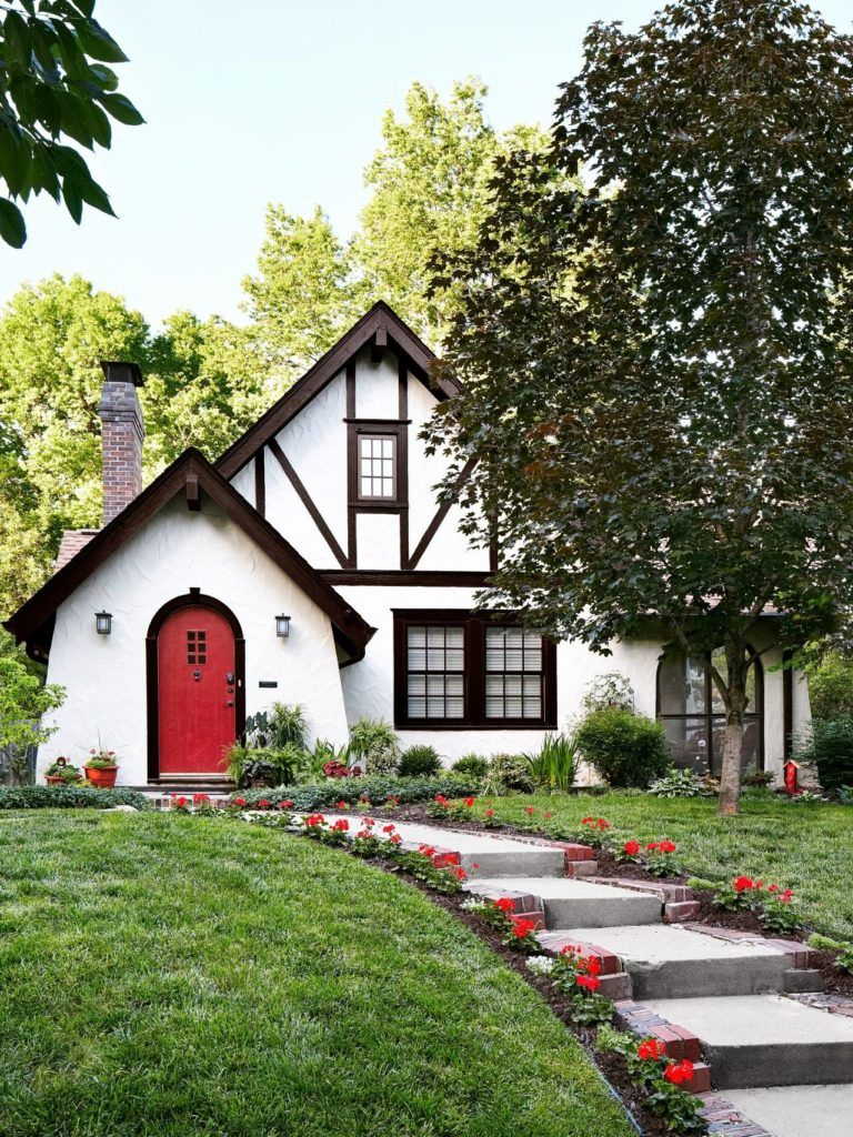 Jack Arnold House Plans Beautiful Homes With Great Curb Appeal In Austin Texas Home Decorating Trends Homedit Ingiliz Kir Evleri Home Fashion Kir Evi