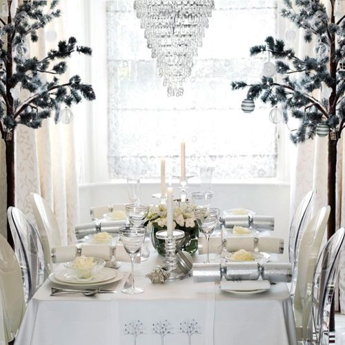 Simple and elegant christmas table setting TABLE SETTINGS
