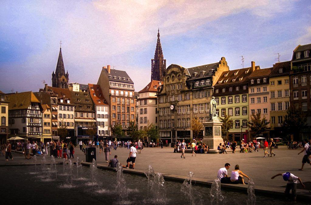 Visiter Strasbourg Top 30 A Faire Voir Guide 1 2 3 Jours 2020 Strasbourg France France Travel Strasbourg