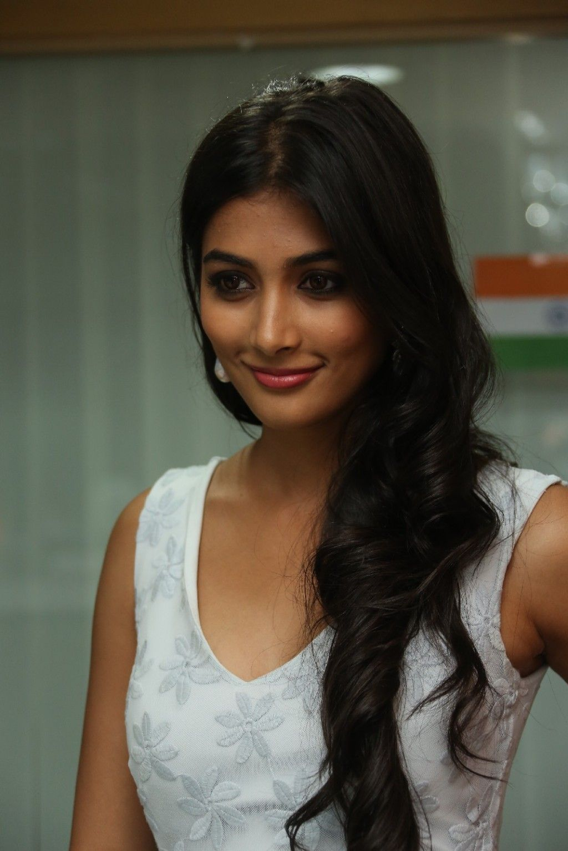 one of the hot female debutantes 2015 : pooja hegde pooja hegdeis
