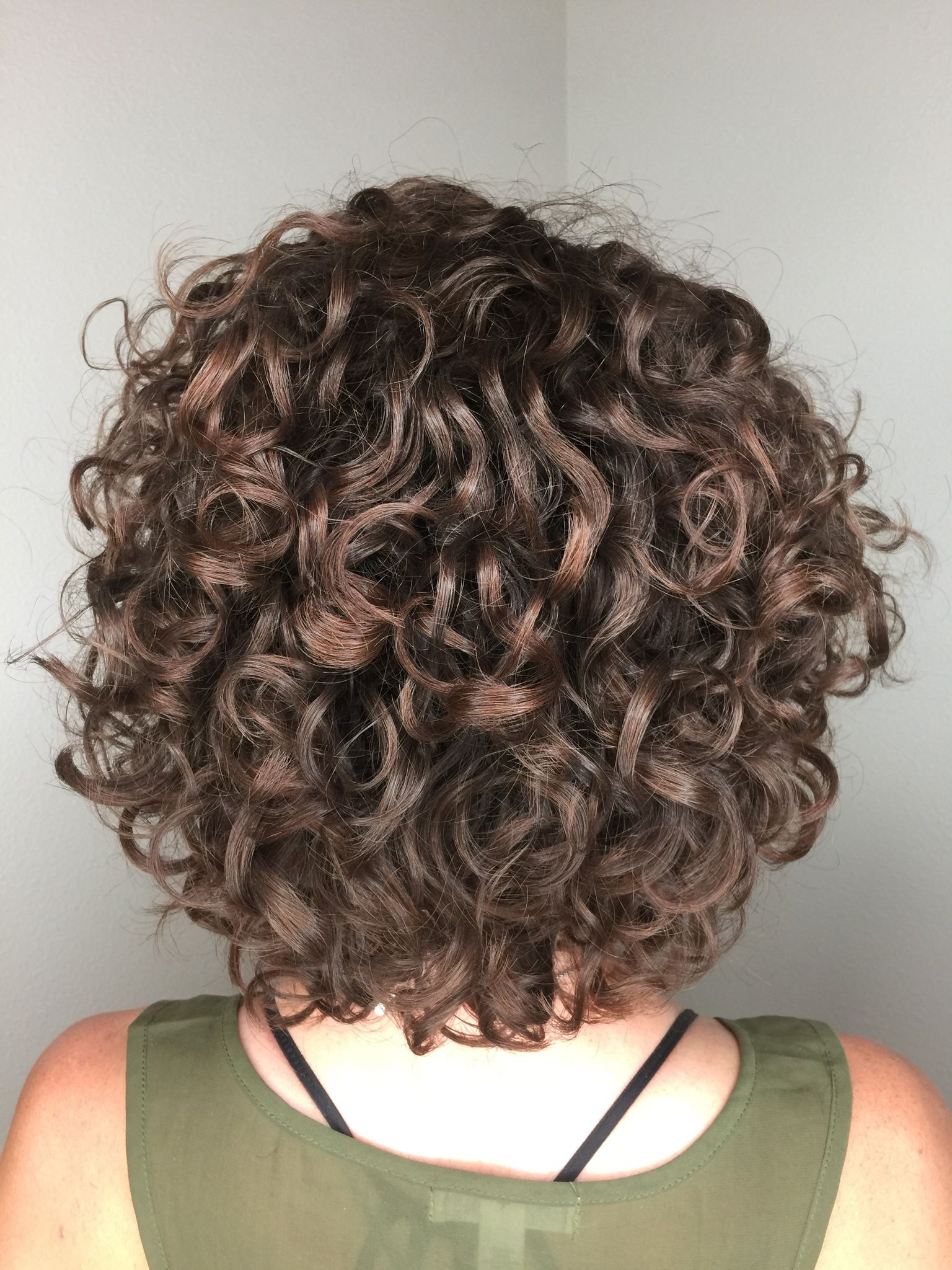 Gorgeous Curls Avedaibw Short Permed Hair Permed Hairstyles Curly Hair Styles