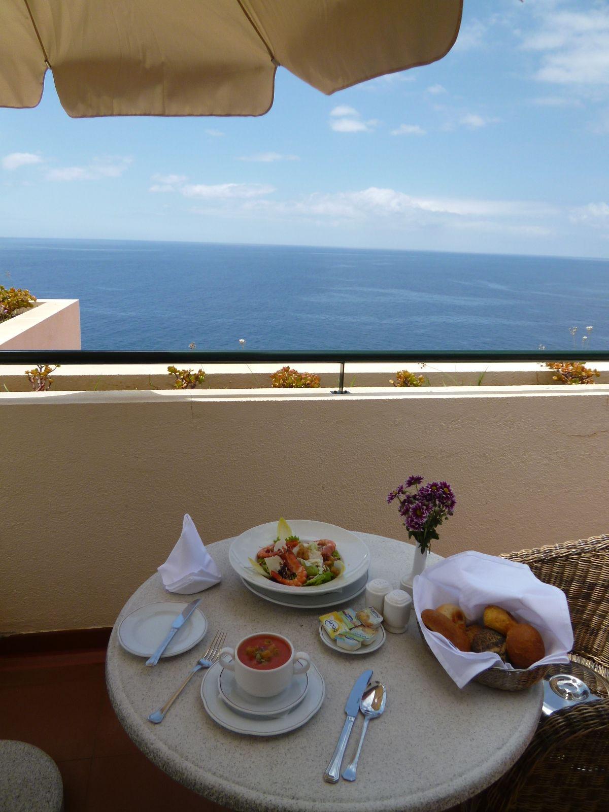 """Pranzo, Camera di """"Cliff Bay Resort Hotel"""", Funchal Madeira Portugal (Luglio)"""