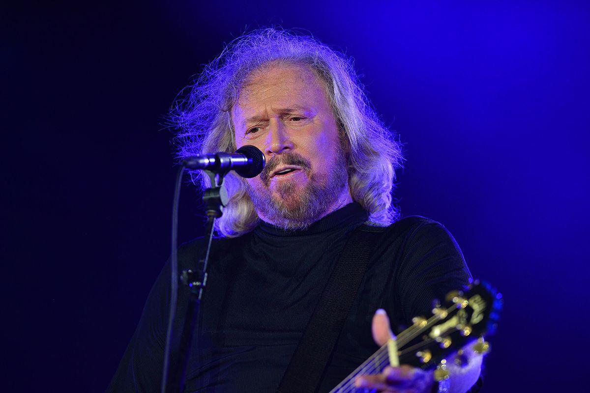 Barrygibb Mantem Vivo O Legado Dos Beegees Com O Album Inthenow Por Luizgomesotero Barry Gibb Bee Gees Barry