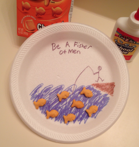 Fun vbs craft using goldfish crackers teach kids to be for Craft projects for guys