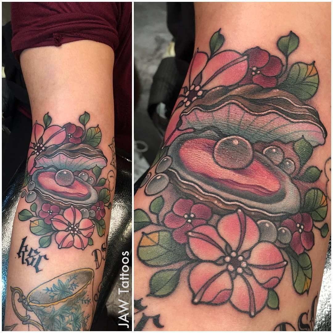 Artist at reclamare gallery sacramento ca rclmr_tattoo