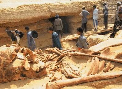 Egipto - calcular la manera en que personas con poca tecnología, lograron construir unos de los más grandes monumentos mundiales: Las pirámides de Egipto