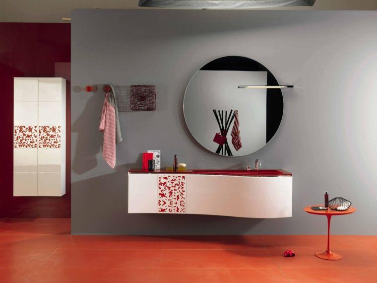 Rivestimenti bagni esempi con piastrelle di colore arancione