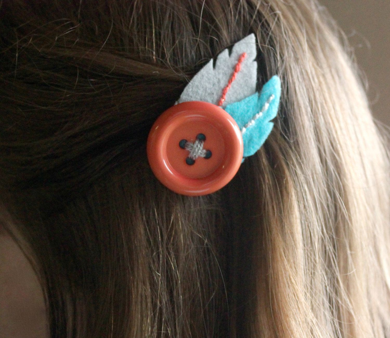 Felt feather hair clip with button (salmon, aqua, silver) #hairclips