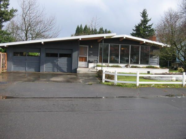 Best Low Pitched Roof In Portland Mid Century Modern 400 x 300