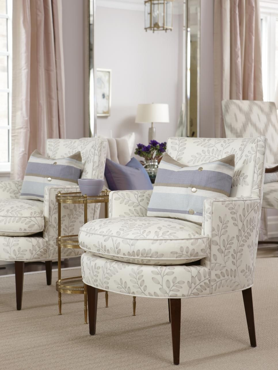 To keep this neutral space interesting, Sarah layered subtle patterns throughout the room.