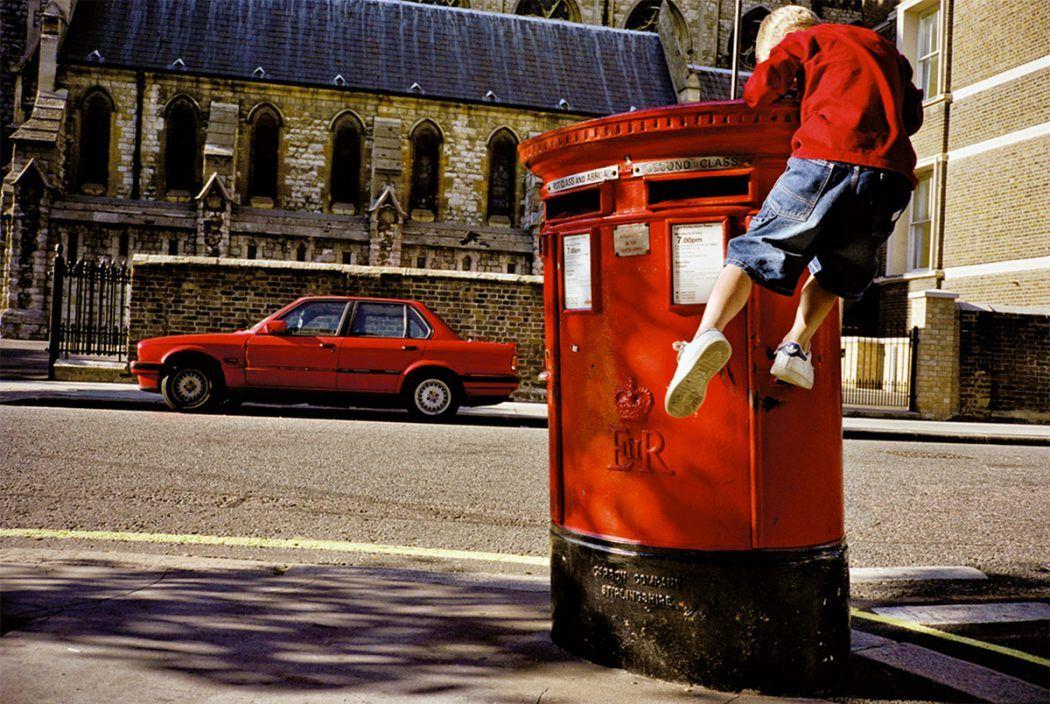 Street Photography With A Twinkling Eye By Matt Stuart