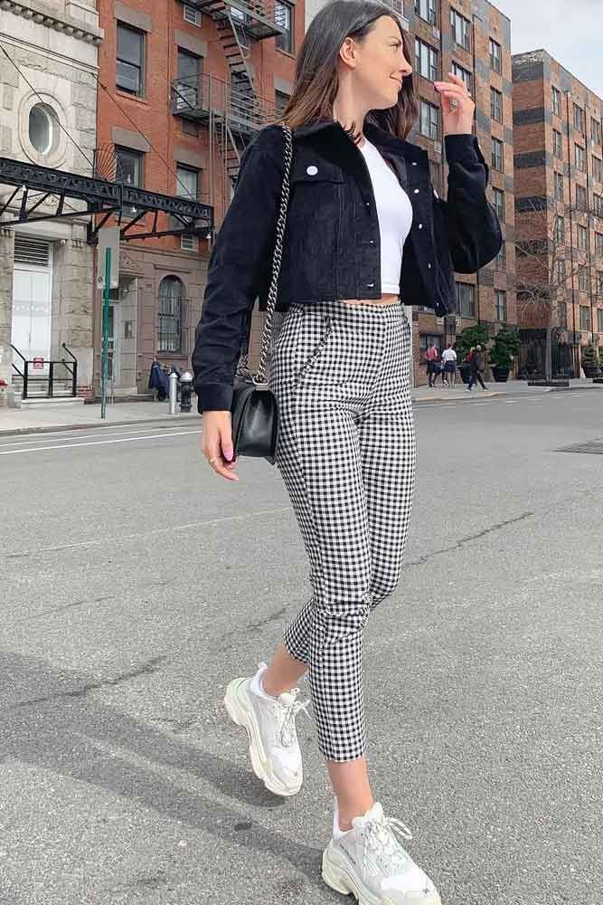 Photo of Crop Plaid Pants mit schwarzer Samtjacke #velvetjacket ★ Plaid Hosen Outfit …