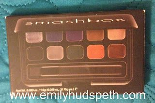 Enter to win this awesome Smashbox eyeliner palette! 10 colors and a brush!  Click thru to enter!