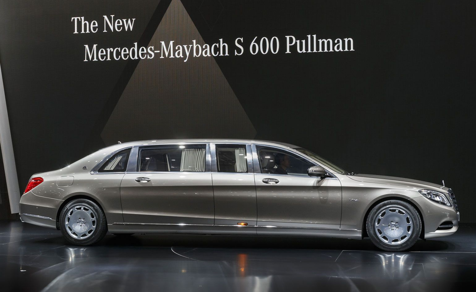 The Best From 2015 S Geneva Motor Show Lifestyle Wallpaper Magazine Mercedes Maybach Maybach Mercedes Maybach S600