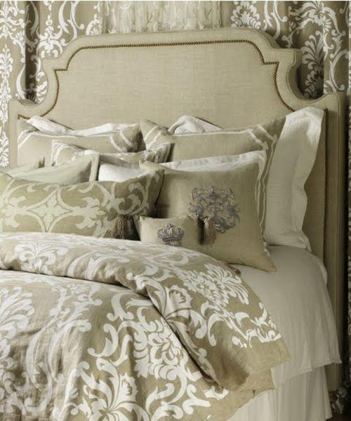Ornamentale Bettwäsche - sehr schick! Royale KLvB weiße und gold