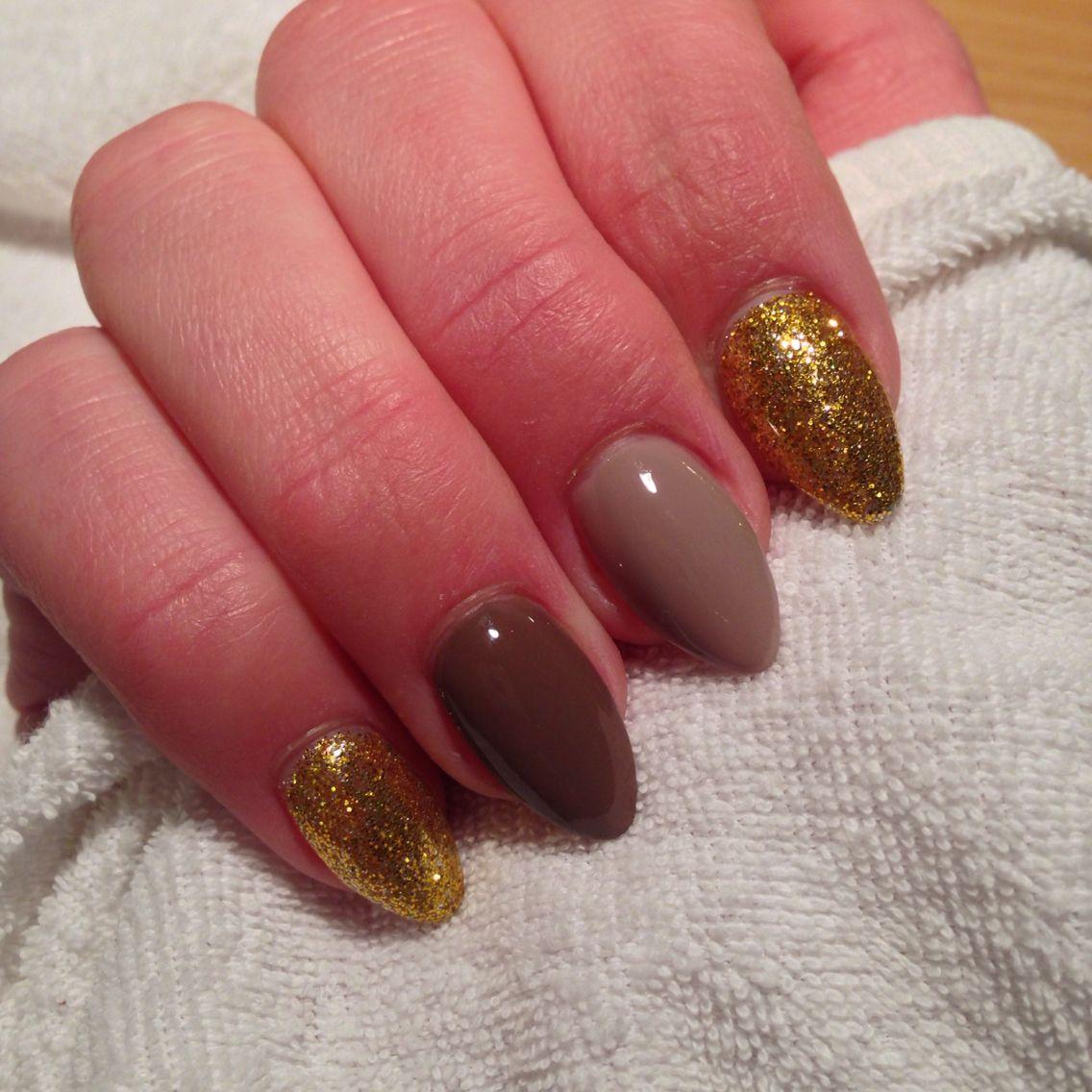 Nägel#nails#braun#gold#Glitzer#spitz#stiletto#Weihnachten#lang ...
