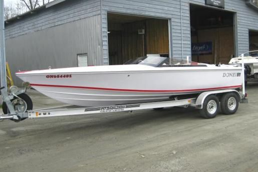 Donzi 22 white hull and deck  Red stripe and seats | HERE WE