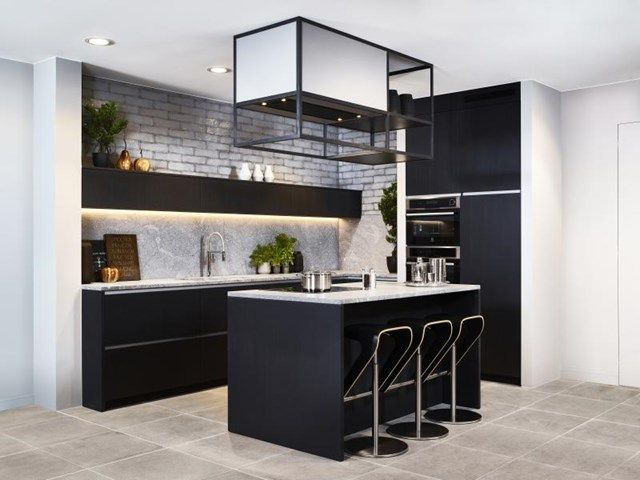 Zwarte keukens zijn the way to go in durf jij het aan