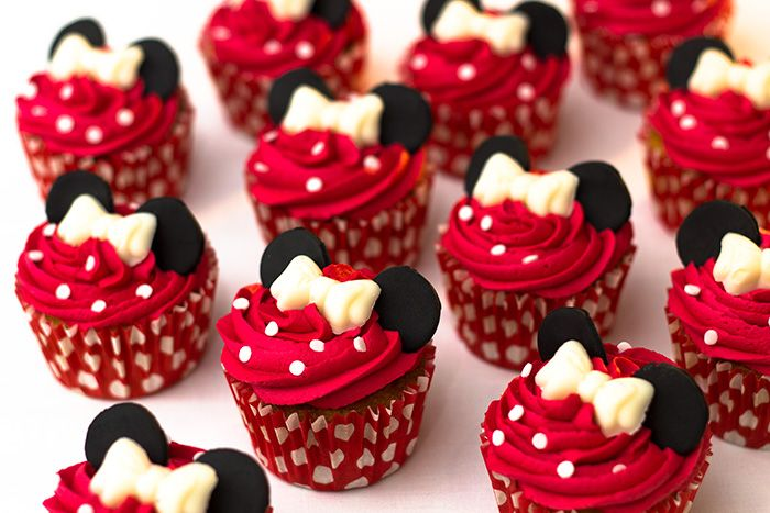 How To Make Minnie Mouse Cupcakes Sunday Baking En 2019
