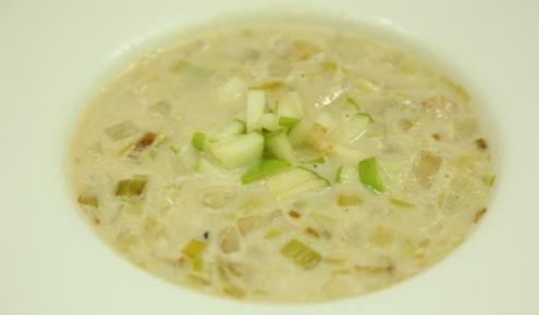 طريقة عمل شوربة جذور الكرفس من زيتونة اطباقي Recipes Soup Recipes Food And Drink
