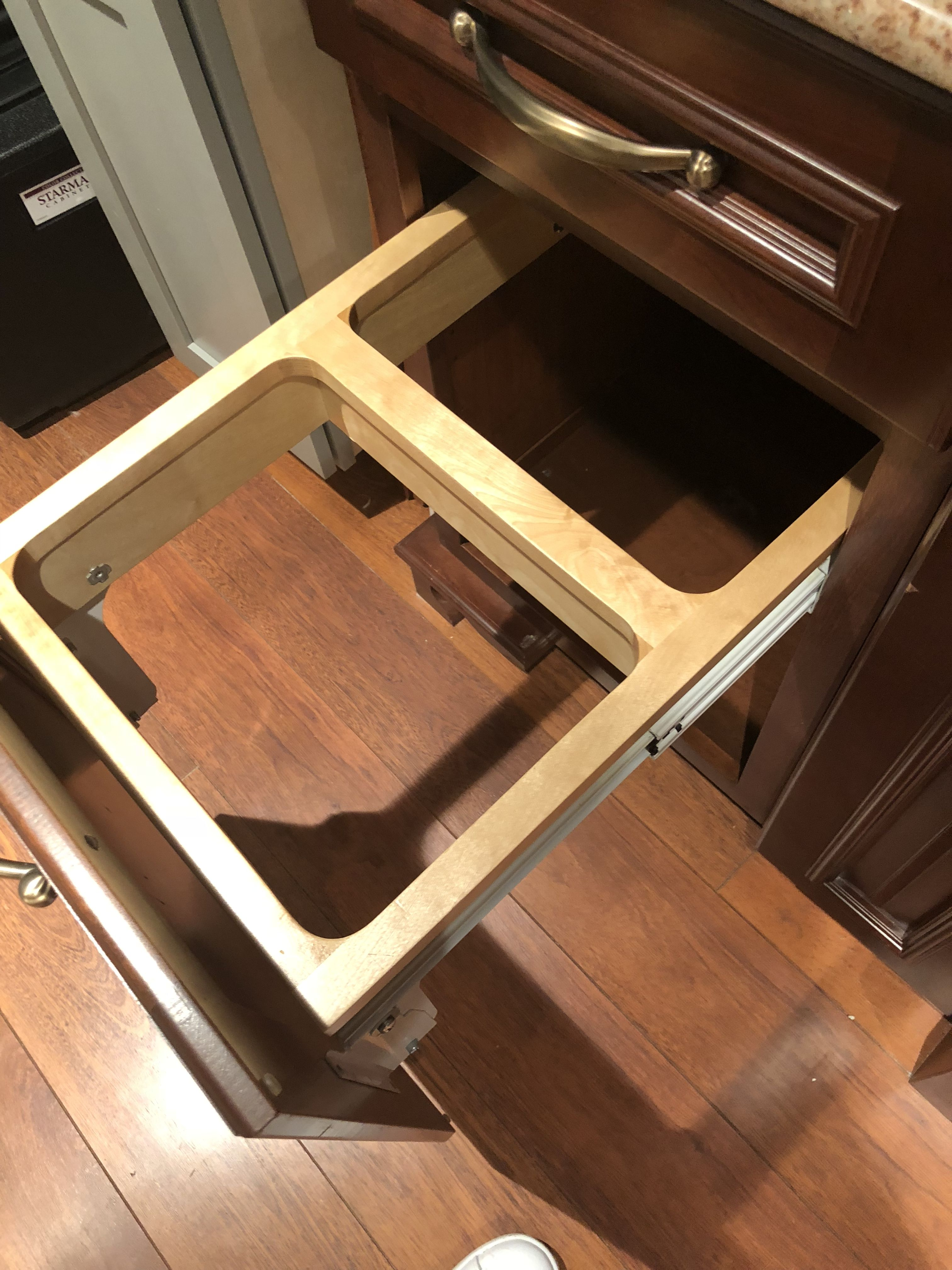 Custom kraftmaid kitchen display for sale  Check board description
