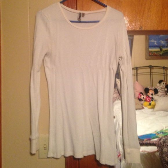 Long Sleeve Thermal, size XL, from Buckle Thermal Long Sleeve from Buckle, cream with shimmer color, size XL, excellent condition BKE Tops Tees - Long Sleeve