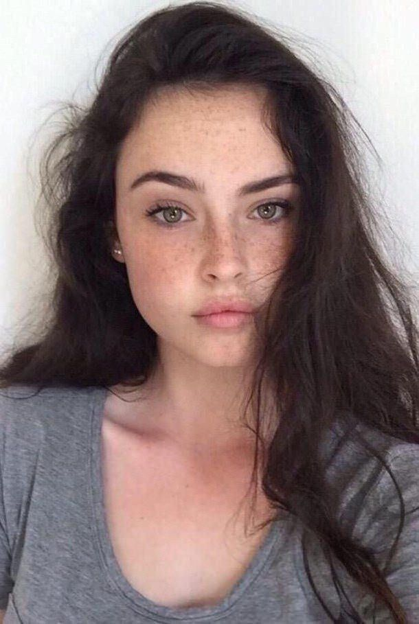 Darl Hair And Light Green Eyes Character Inspiration Freckles Girl Beauty Girl Girl Face